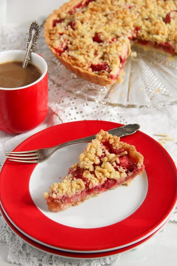 rhubarb pie with strawberries