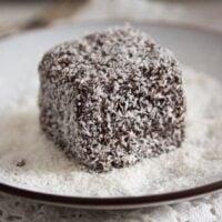lamingtons 3 200x200 Lamington Cake – Australian Lamington Chocolate Cake Recipe