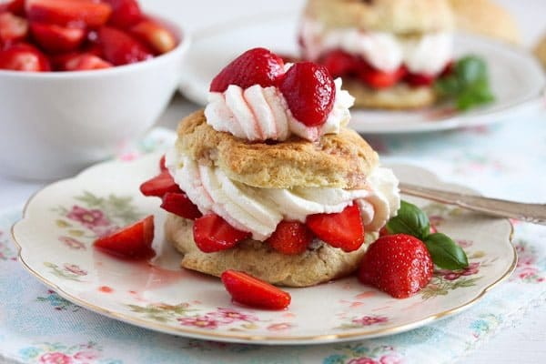 strawberry shortcake 6 Strawberry Shortcake – Classic Recipe with Strawberries and Cream