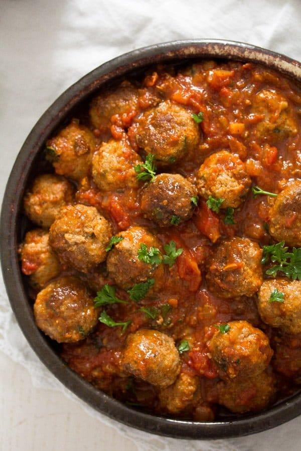 albondigas spanish meatballs 5 Spanish Meatballs in Tomato Sauce – Albondigas Recipe