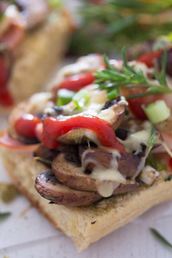 polish open sandwich 6 Zapiekanka   Toasted Mushroom and Cheese Sandwich – Polish Food