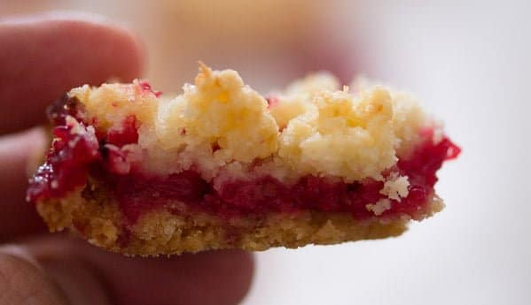 red currant cake 12 Easy Streusel Cake with Red Currants and Coconut – German Food