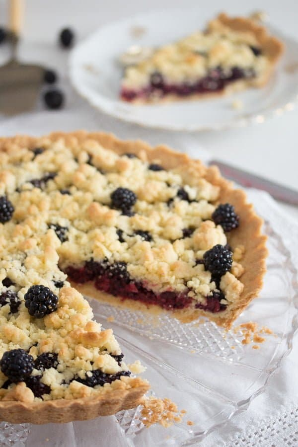 blackberry pie recipe 11 Easy Crumb Crust Pie with Blackberries and Crumble Topping