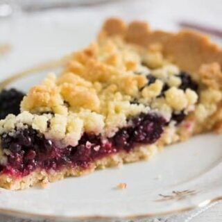 blackberry pie recipe 14 320x320 Berry Crumble Pie   with Blackberries