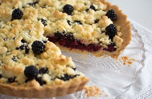 blackberry pie recipe 9 Easy Crumb Crust Pie with Blackberries and Crumble Topping