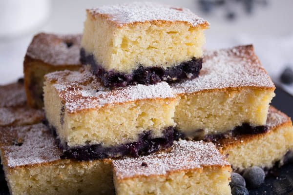 easy blueberry sour cream cake