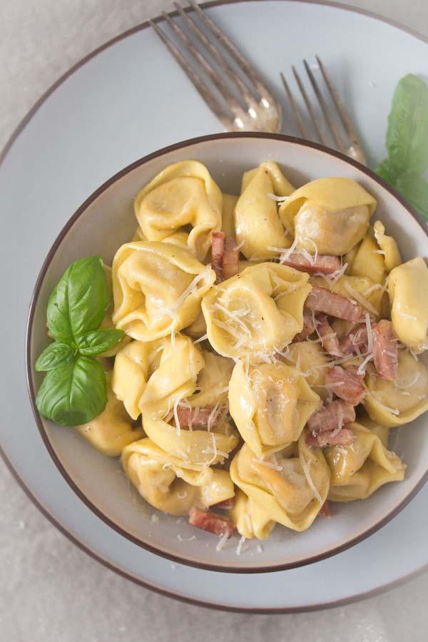 tortellini in cream sauce 5 Tortellini alla panna   Tortellini with Cream Sauce