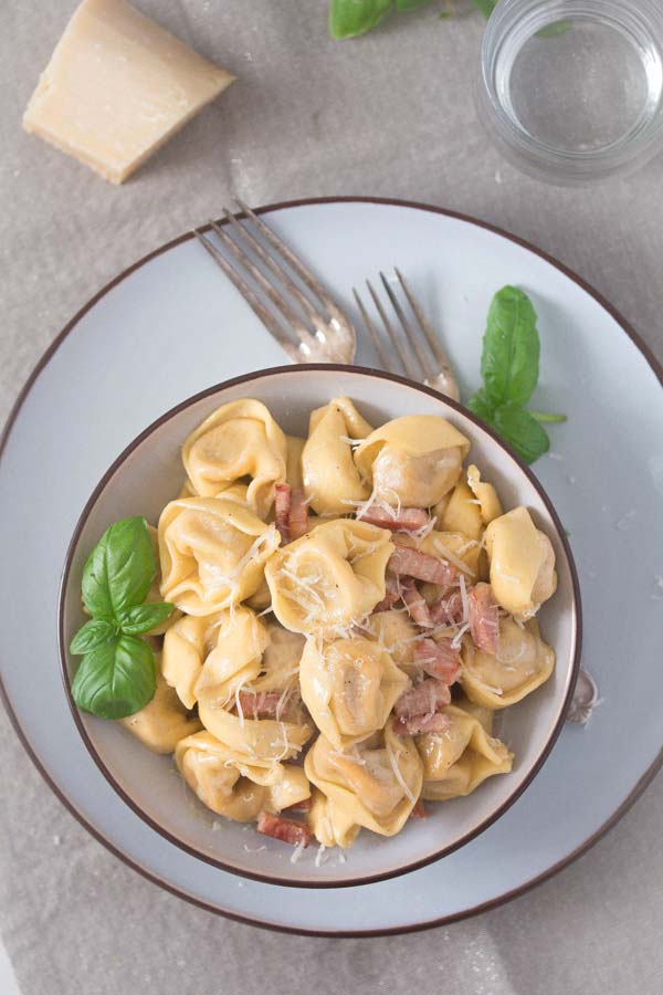 tortellini with ham and cream sauce