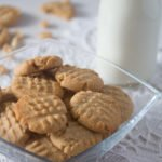 peanut butter cookies in a glass bowl