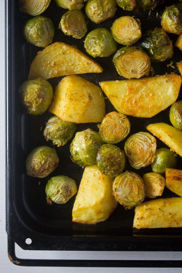 roasted brussels sprouts and potatoes 3 Roasted Brussels Sprouts and Potatoes with Rosemary