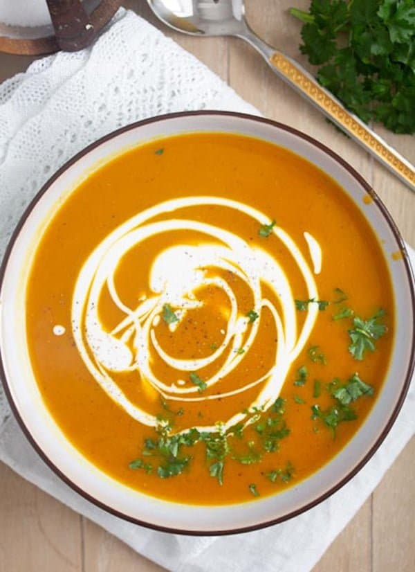 easy butternut squash soup 2 Vegan Butternut Squash Soup with Coconut Milk and Curry