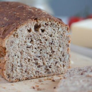 easy whole grain bread sliced