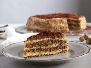egyptian cake with hazelnuts
