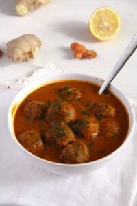 meatballs turkey spicy 683x1024 200x300 Spicy Meatball Curry
