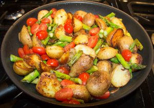 pan roasted asparagus and potatoes 7 300x212 Pan Fried Asparagus and Potatoes – Green Asparagus Recipe