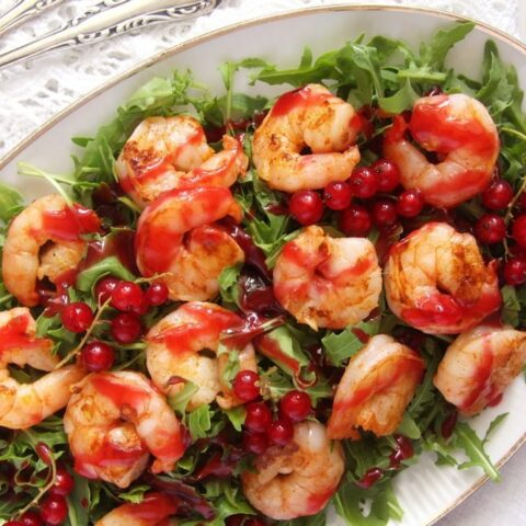 prawn salad with red currant sauce