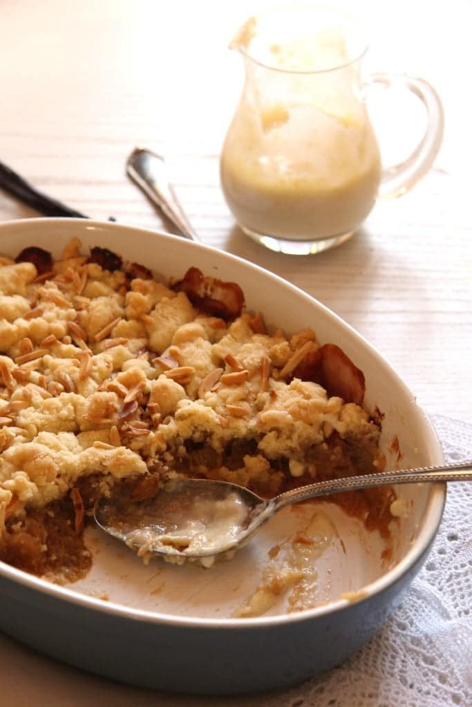 , Rhubarb Apple Crumble with Almonds and Cinnamon
