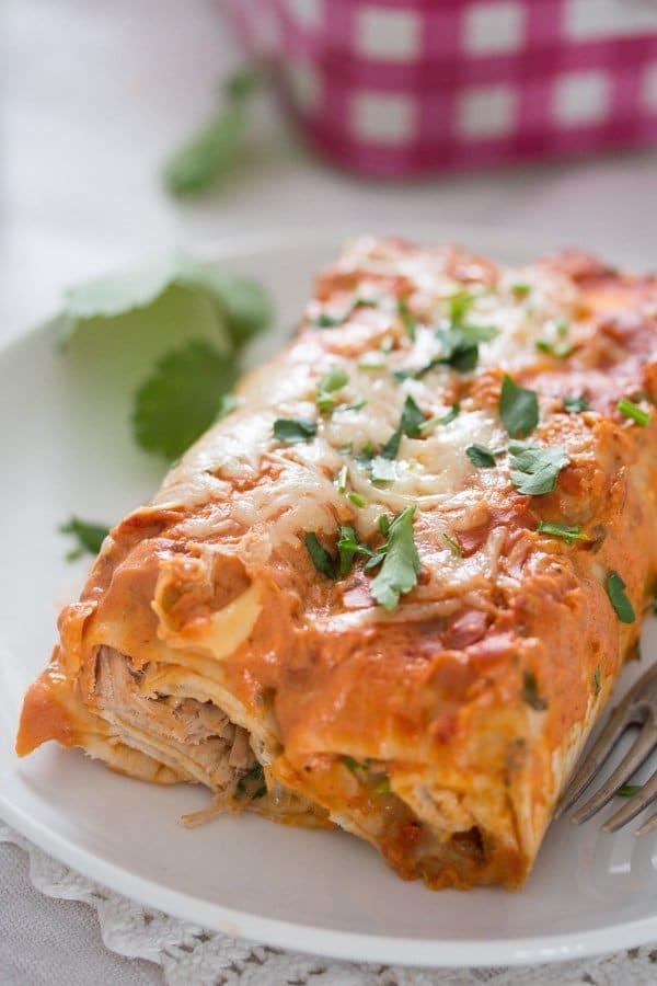 sour cream chicken enchiladas 16 Sour Cream Chicken Enchiladas – Easy Mexican Enchilada Recipe