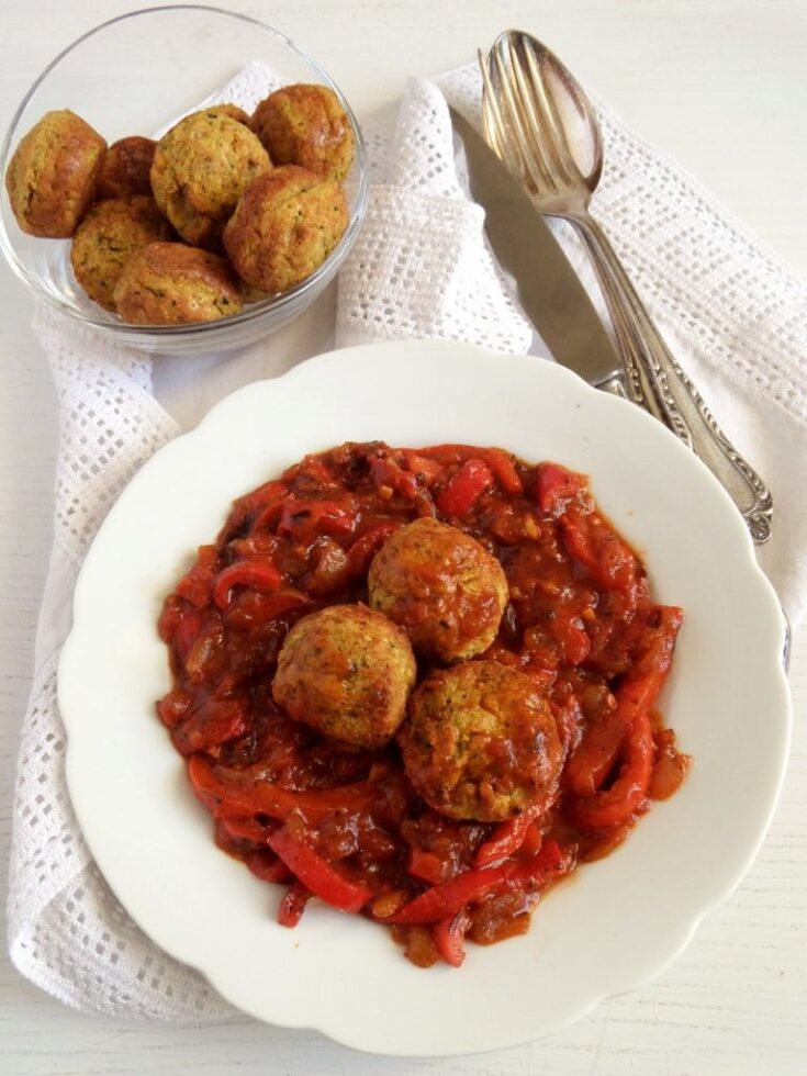 , Delicious Vegetable and Chickpea Meatballs in Bell Pepper Sauce