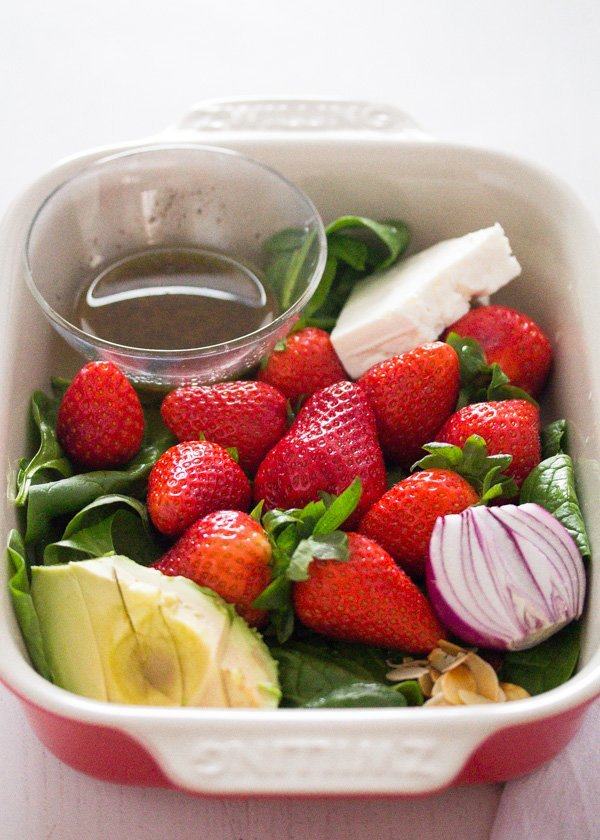 strawberry salad with poppy seed dressing 1 Strawberry Salad with Poppy Seed Dressing and Almonds