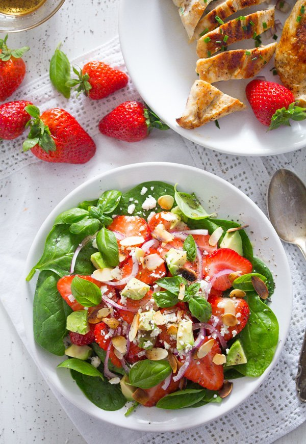 strawberry salad with poppy seed dressing 2 Strawberry Salad with Poppy Seed Dressing and Almonds