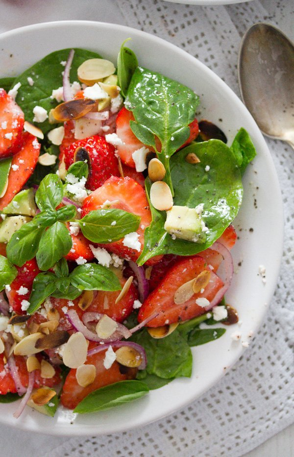 strawberry salad with poppy seed dressing 6 Strawberry Salad with Poppy Seed Dressing and Almonds