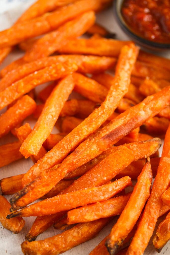 close up air fried sweet potatoes.