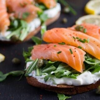 smoked salmon sandwich with capers