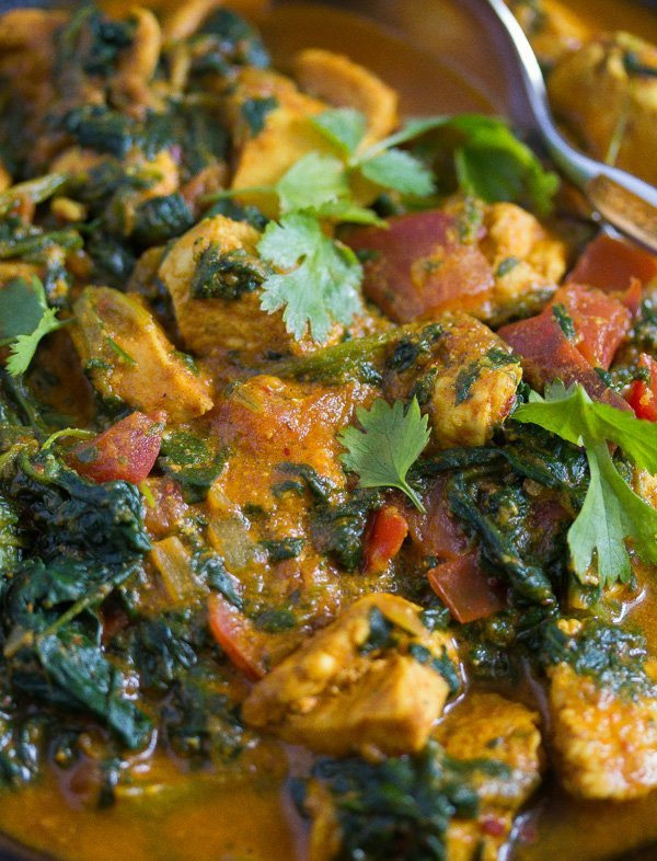 healthy chicken saag ready to be served