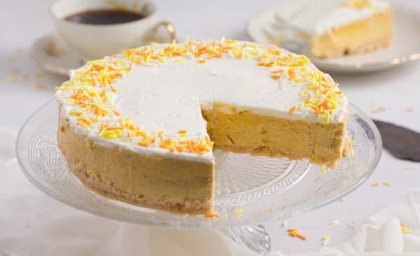 sliced no bake bake pumpkin cheesecake