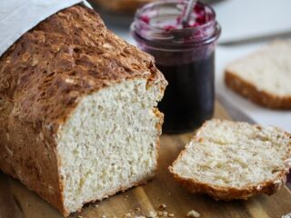 sliced oat bread without yeast