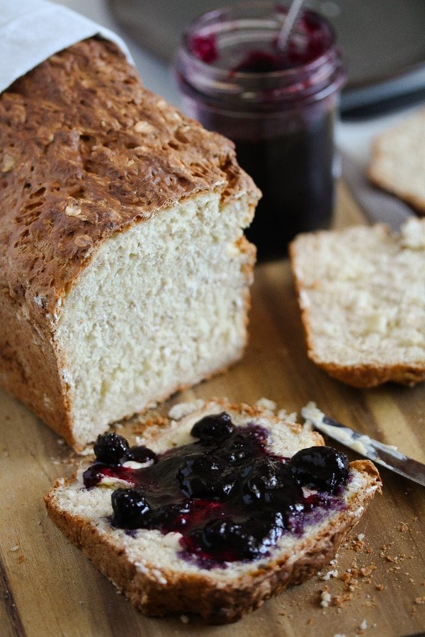oat bread without yeast served with jam