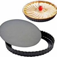 Loose-bottomed pie dish