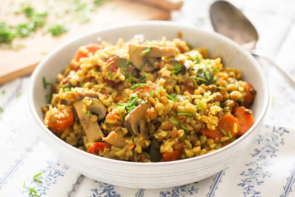 vegetable pilaf with brown rice