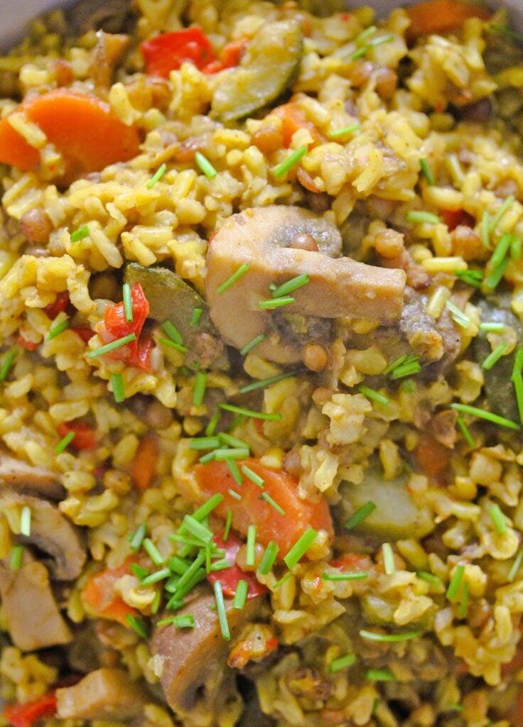 close up mushrooms, brown rice and lentils