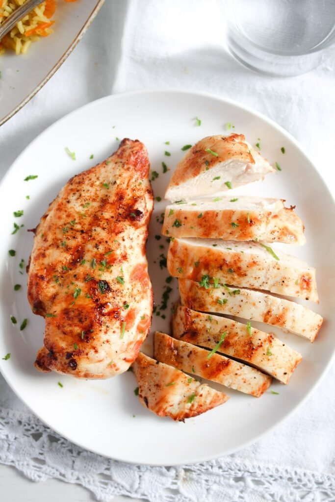 juicy chicken cooked in the air fryer from frozen