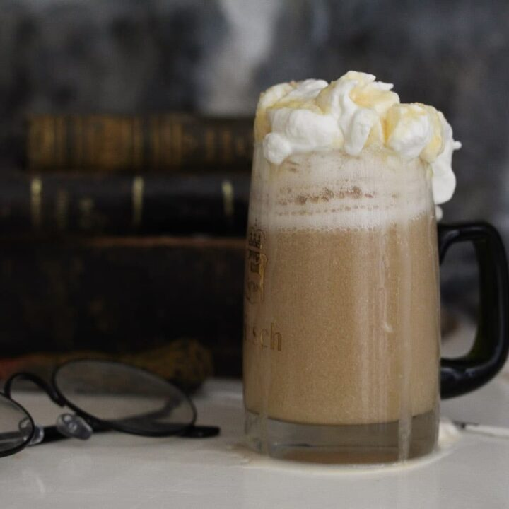 alcoholic harry potter butterbeer in a beer mug