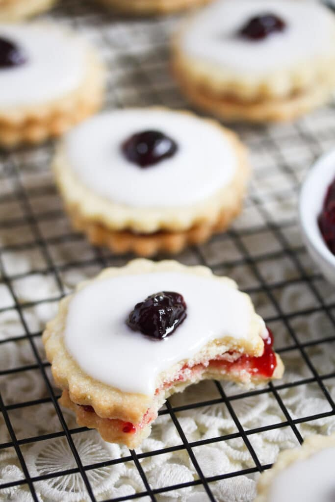 traditional scottish cookies with raspberry jam and icing