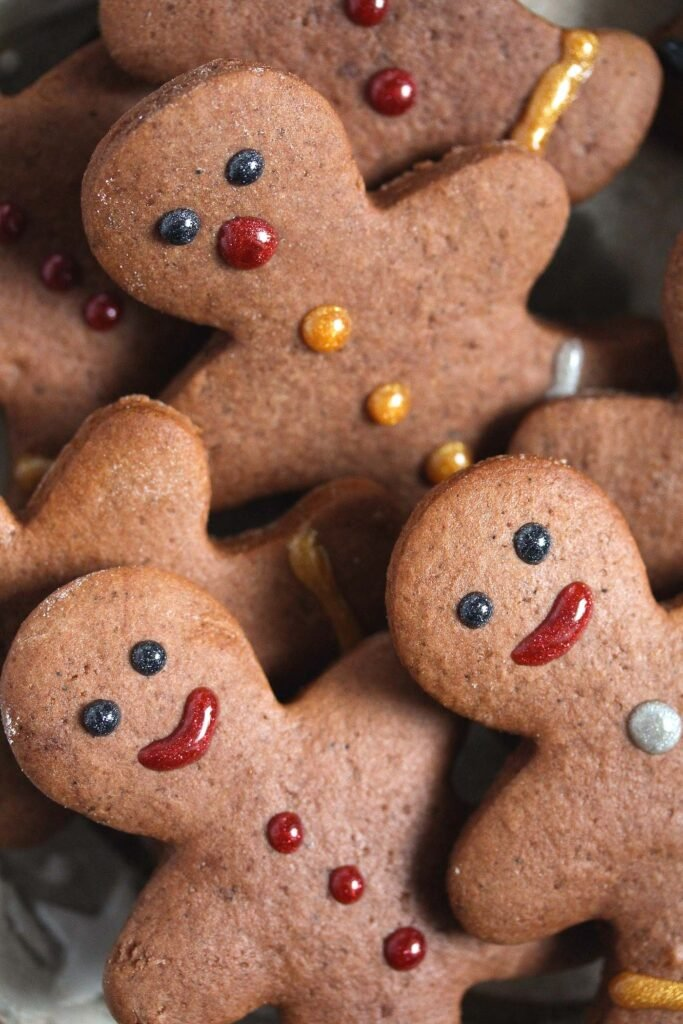 close up smiling gingerbread men
