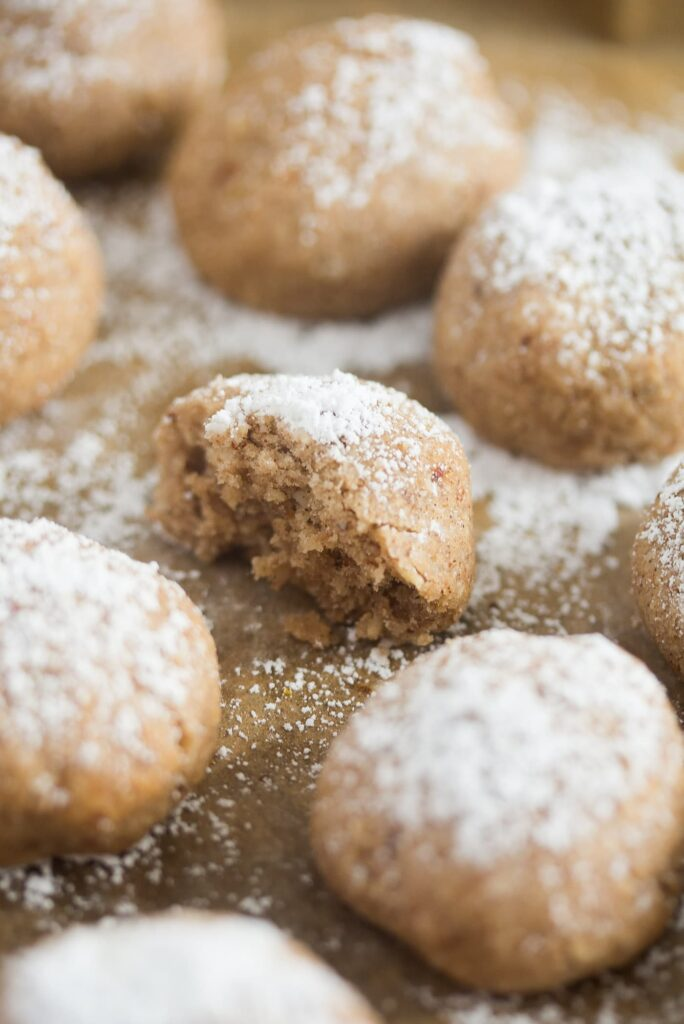 spanish cookies with ground almonds and lemon
