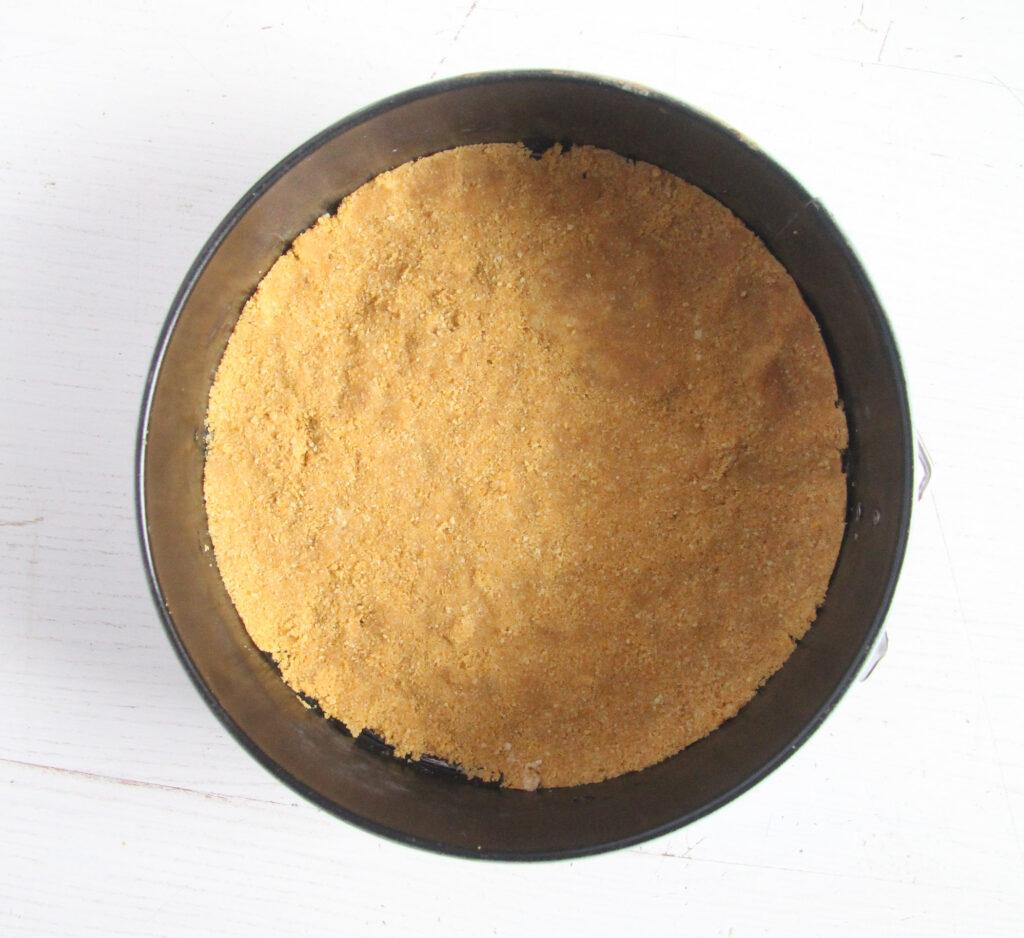 springform with graham cracker crust.
