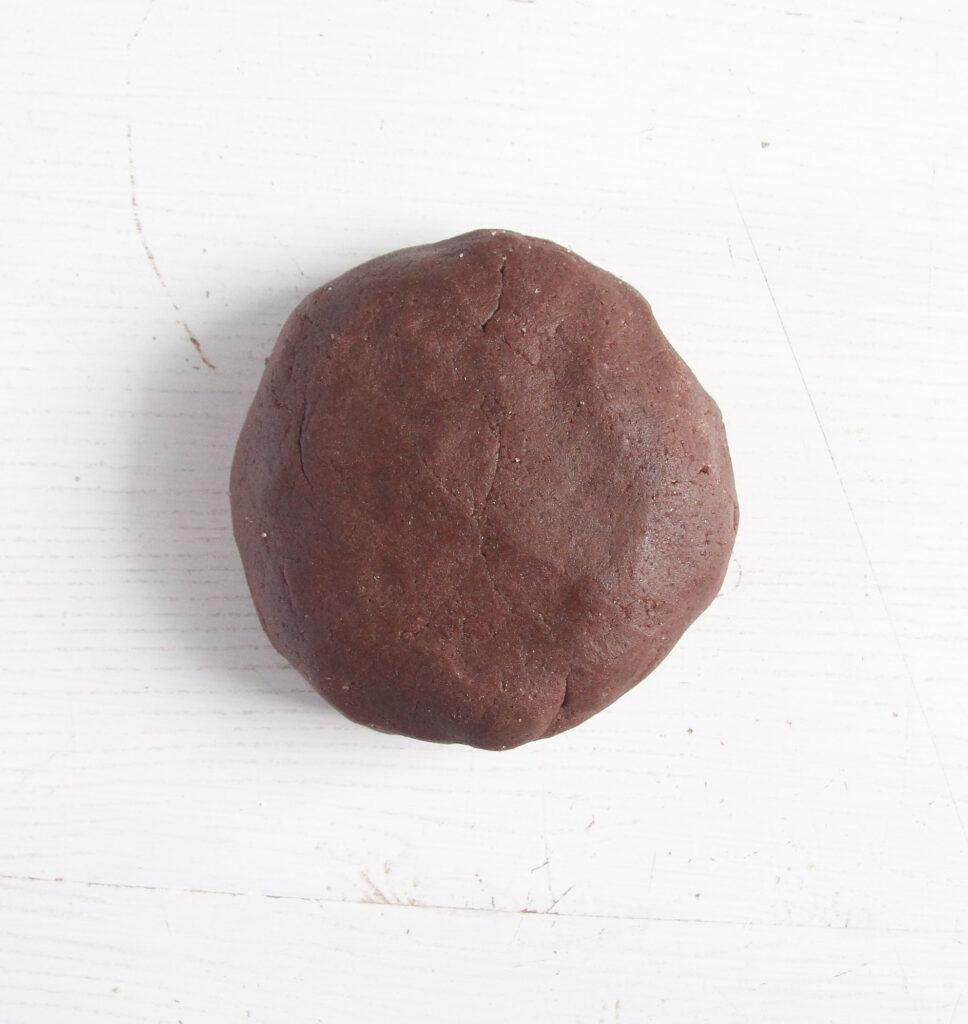 ball of shortcrust dough made with cocoa.